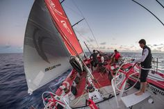 .@DongfengRacing has been in slightly more pressure & is leading the fleet now. Can it continue making gradual gains?