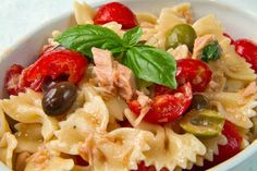 pasta salad with tuna,  tomatos, and olives. Maybe chicken instead of tuna!
