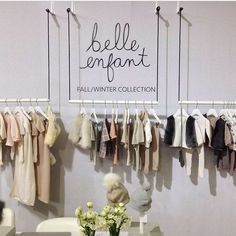 D r a g o n S t y l e Store interior Super Ideas Clothes Shop Interior Ideas Hanging Racks Vacuu Fashion Shop Interior, Clothing Boutique Interior, Fashion Showroom, Boutique Decor, Boutique Interior Design, Showroom Design, Boutique Shop, Clothing Store Displays, Clothing Store Design