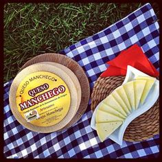 Picnic with Manchego cheese