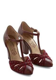Portrait Heel. You feel as pretty as a picture when you slip into these wine-red Portrait heels from Seychelles! #red #wedding #modcloth