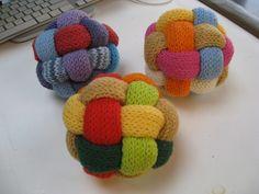 Ravelry: Gevlochten Bal / Braided Ball pattern by Marleen Hartog @Bonnie Zander