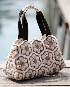 "Tutorial. Bolsa de crochê flor Africana (parte 2). Também links para parte 1… ""Free pattern & tutorial on how to sew an insert or lining for crochet Africa"