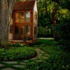 Beautiful backyard. so peaceful