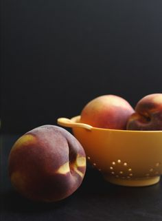 peaches in a colander // lbg studio