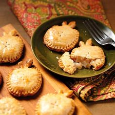 You'll be the apple of someone's eye when you serve these apple-shaped apple pies! These handheld pies are so easy to make, using the Wilton Apple Cookie Cutter and your favorite pie dough and apple pie filling.