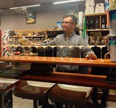 """Solo da Cose Buone il Venerdì sera l'Aperitivo non ha … limiti !!!  Iniziamo alle ore 17.00 ed andiamo ad … oltranza !!!  Buon cibo, vini selezionati, atmosfera e … bella gente: solo da Cose Buone !!!  Stasera potrai provare """"Le selvagge """" ovvero tre bruschette gourmet di Daniela, il panino """" Ruggero """" rivisitato con Gorgonzola, passare ad un dessert artigianale di Ivan della Pasticceria San Benedetto - meraviglioso anche il suo Anello di Monaco - oppure assaggiare le Sfogliatine di…"""