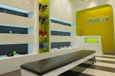 "Child Shoe Store Interior Design - Silvan Francisco, ""Tres X 14"" in Madrid. 2010"