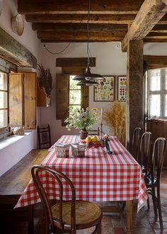 Pon cuadros vichy a tu cocina. www.telasdeluna.com