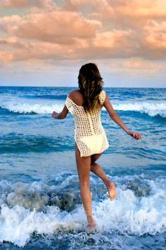 i'm just a summer girl , i wear my flip flops...