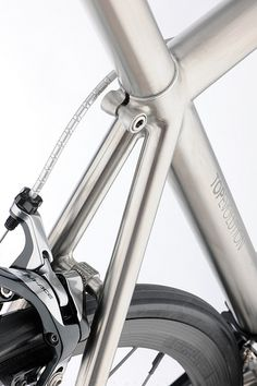 showcased during the 2015 milan design week, passoni exhibited the 'single speed' and 'top evolution' bikes, which are crafted from titanium grade 9 tubes Garage Bike, Garage Makeover, Road Bikes, Bike Life, Evolution, Bicycle, Milan Design, Rebel, Transportation