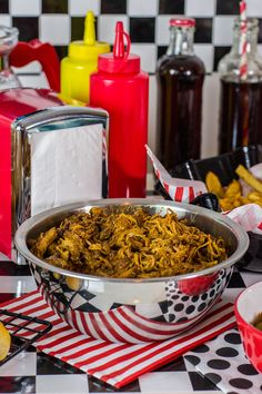 #TescoParty - American Retro Party - pulled pork w sosie bbq - pulled pork in bbq sauce
