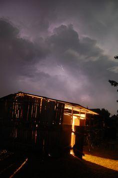 Lightning&Barn