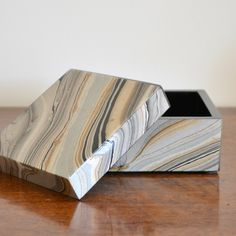 Marbleized Lacquer Box // www.summerhousestyle.com