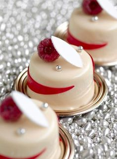 """French Chef francés """"Christophe Michalak"""" Creation #French #dessert #patisserie #baking #bakery #pastry #pastries #sweets #postre #pastelería francesa #repostería francesa"""