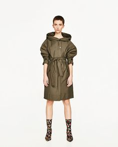 Image 1 de TRENCH LONG AVEC CAPUCHE de Zara Zara Femme, Longues, Vestes, bddf85bc9e7