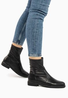 Botine dama Misiones Negre Ankle, Boots, Fashion, Crotch Boots, Moda, Wall Plug, Fashion Styles, Shoe Boot, Fashion Illustrations
