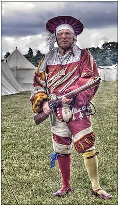 Landsknecht The English Heritage Festival of History at Kelmarsh Hall, July Renaissance, German Costume, Thirty Years' War, Early Modern Period, Landsknecht, Viking Ship, Warhammer Fantasy, Modern Warfare, Historical Clothing