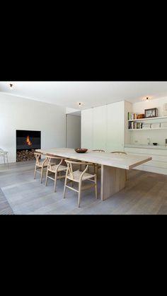 Combinación madera natural con laqueado blanco. By Amparo Be.