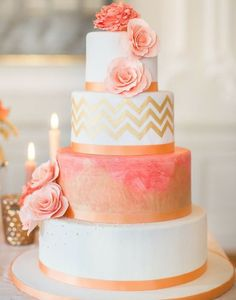 wedding cakes teal Coral and Gold wedding cake. Beautiful cake, but Id like to see what it looks like with blue and silver or bronze. Pretty Wedding Cakes, Summer Wedding Cakes, Pretty Cakes, Cake Wedding, Spring Wedding, Wedding Table, Coral Wedding Cakes, Wedding Colors, Wedding Flowers