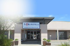 Life West Coast Private Hospital hosts 61 beds, 2 laminar flow theatres, an accident and emergency unit with a resuscitation room and many more facilities. Provinces Of South Africa, Surgeon Doctor, Doctor On Call, General Surgery, Private Hospitals, Clinical Psychologist, Intensive Care Unit, Radiology, West Coast