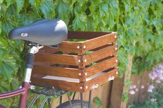 wooden bike basket..maybe i'll tackle this one one weekend soon :)