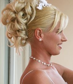 Google Image Result for http://www.romance-fire.com/pictures/bridal%2520hair%2520styles%2520217.jpg