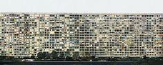 'Paris, Montparnasse', 1993, 187 x 428,7 cm, Aus dem Katalog 'Andreas Gursky' anlässlich der Ausstellung im Haus der Kunst München, 2007; Mi...