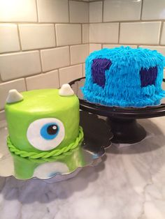 I really like the idea of having a big sully inspired cake for all the guests and a mike inspired pe Monsters Inc Cake Pops, Monster Inc Cakes, Monsters Inc Baby, First Birthday Parties, 3rd Birthday, First Birthdays, Birthday Ideas, Monster Inc Birthday, Monster Inc Party