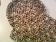 Beginning Crochet 1 Skein Pet Bed - Free Crochet Pattern - Share a pattern Love Crochet, Diy Crochet, Crochet Ideas, Crochet Tutorials, Tutorial Crochet, Crochet Toys, Crochet Heart Blanket, Beginning Crochet, Crochet Dog Sweater