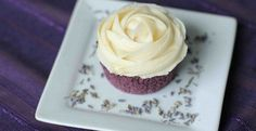 Lavender Cupcakes with Honey Frosting | Inspired Dreamer.....skip the food coloring, will find something natural to use.