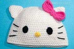 Mit dieser Anleitung zum häkeln einer Kitty Mütze kannst du nicht nur die kleinen Leute verzaubern, denn auch viele größeres Menschenkinder sind verrückt nach dem niedlichen Kätzchen. Für die Kitty hä