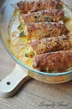 Roladki schabowe z szynką, serem i ogórkiem