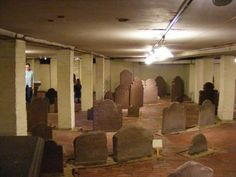Crypt At Center Church-on-the-Green, new haven, ct    137 graves holding New England's earliest residents