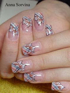 Find images and videos about nails, nail art and Burberry on We Heart It - the app to get lost in what you love. Fancy Nails, Cute Nails, Pretty Nails, Gel Nails, Acrylic Nails, Plaid Nails, Nagellack Design, Flower Nails, Creative Nails