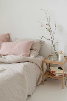 This is a Bedroom Interior Design Ideas. House is a private bedroom and is usually hidden from our guests. However, it is important to her, not only for comfort but also style. Much of our bedroom … Pastel Bedroom, Airy Bedroom, Home Decor Bedroom, Bedroom Ideas, Bedroom Designs, Pink And Beige Bedroom, Trendy Bedroom, Modern Bedroom, Bed Designs