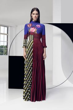 LONDON Mary Katrantzou - an amazing couturier extraordinaire - has steered her eponymous label to become one of the top couture houses of current age with in a remarkably short time.  #MaryKatrantzou #worldwidecouture #wwc #fashion #couture #fashiondesigner #hautecouture #fashionista