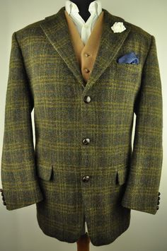 Stunning Harris Tweed jacket in a textured green cloth with a yellow, blue and red check. The jacket has a 3 button front and is fully lined. The condition of the jacket is Excellent. There are no faults to the tweed or the lining. | eBay!