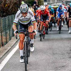 Peter Sagan attacked on the Poggio Milan-San Remo 2017