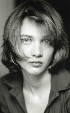Odile Vuillemin, née le 8 juillet 1976 à Châlons‑sur‑Marne, est une actrice française.