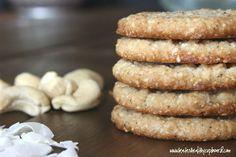 Grain Free Coconut Cashew Cookies (Dairy Free, Sugar Free Option, Low Carb Keto) www.kateshealthycupboard.com