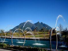 El paseo Santa Lucía está ubicado donde fuera la tercera y última fundación de Monterrey, creada por Don Diego de Montemayor. El recorrido une a varios puntos importantes del primer cuadro de la ciudad, y comienza a un costado de la Macroplaza, continúa por los museos de Historia y del Noreste, hasta conectar con el …
