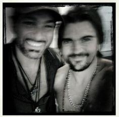 Rocco y Juanes hoy durante su corte de cabello #Juanes #Hairstyle #Hair #Hair Style #Fashion #Beauty #Miami #Miami Beach #LeonardoRocco #RoccoDonna #Salon #Stylist