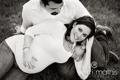 love this B&W maternity - kerri mathis photography