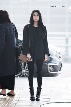 Reject the Binary: Photo Fashion Idol, Kpop Fashion Outfits, Ulzzang Fashion, School Fashion, Korean Fashion, Women's Fashion, Winter Mode Outfits, Winter Fashion Outfits, Airport Fashion Kpop