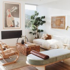 Modern furniture and home decor. Explore the latest looks from – and discover modern furniture that's sleek, chic, functional and comfortable. My Living Room, Home And Living, Living Room Decor, Living Spaces, Barn Living, Small Living, Home Decor Trends, Home Decor Styles, Decor Ideas