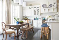 Easy, Breezy, Chic: The Hamptons Kitchen