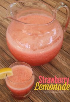 Delicious, strawberry lemonade slush via momendeavors.com! #drinks #recipes