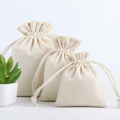 Style: Drawstring pocket Color: Natural pattern: plain Pouch Packaging, Packing Jewelry, Wedding Candy, Party Wedding, Wholesale Bags, Jute Bags, Christmas Bags, Linen Bag, Drawstring Pouch