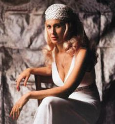 In 1983 I saw Tammy Wynette in front of 50 people. She was the voice that replaced Patsy Cline. RIP